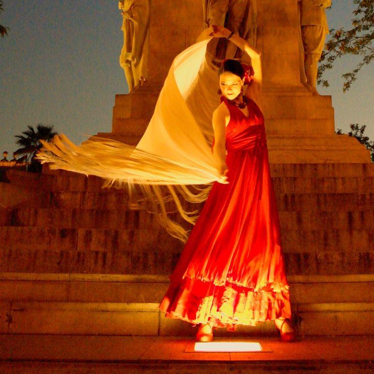 dancer Flor del Flamenco Moscow dance company bolero.su #flordelflamenco #flamenco #flamencodancer Tsvetaeva Elena - Цветаева Елена является членом CID UNESCO, IWC, руководителем российского филиала международной ассоциации испанских танцев SDS, учредителем международного фестиваля фламенко alRojo, партнером фестивалей фламенко Camino del Flamenco и La Plata. Выступает сольно и со своим коллективом Buena Vista как в Москве так и зарубежом. Участвует в городских и международных проектах.