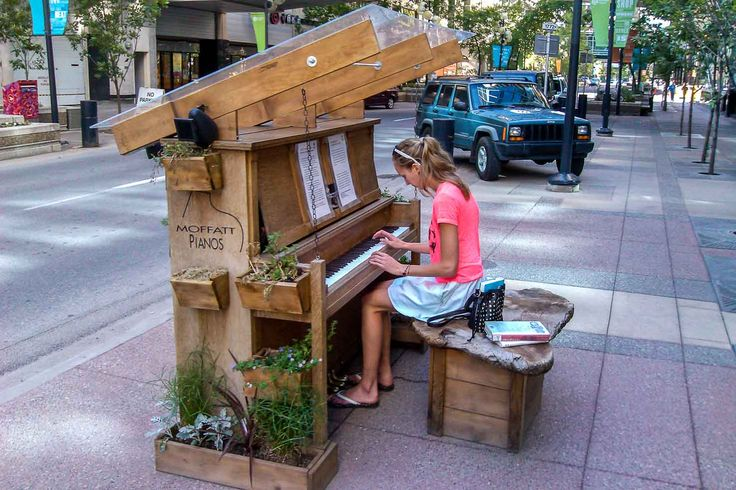 20 things to do in Calgary in summer/ downtown street piano series