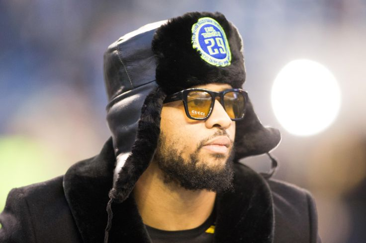 Seahawks safety Earl Thomas wore a cool fur hat Saturday, but the story behind it is pretty special.