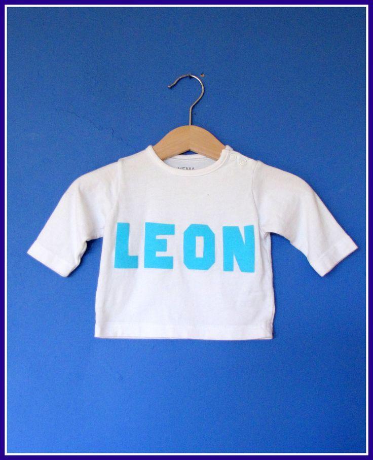 T-Shirt met naam - Creatief en Simpel - Ga naar onze site voor de werkbeschrijving en nog meer leuke ideeen om zelf te maken
