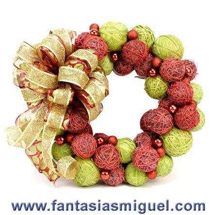 Corona esferas rustica como hacer manualidades - Como hacer coronas de navidad ...