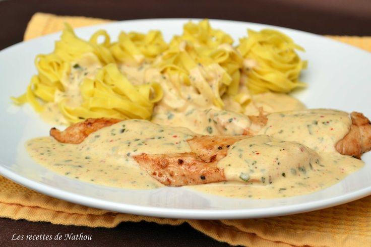 Une délicieuse sauce qui accompagne très bien le poulet ou la dinde par exemple :-)  Avec des pâtes ou du riz, c'est parfait !  Pour ...