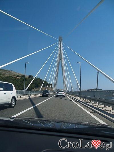 Most Franjego Tuđmana w przed centrum Dubrownika // Dubrovnik #Dubrownik #Dubrovnik #Chorwacja #Croatia http://crolove.pl/wakacje-w-dubrowniku-wskazowki/