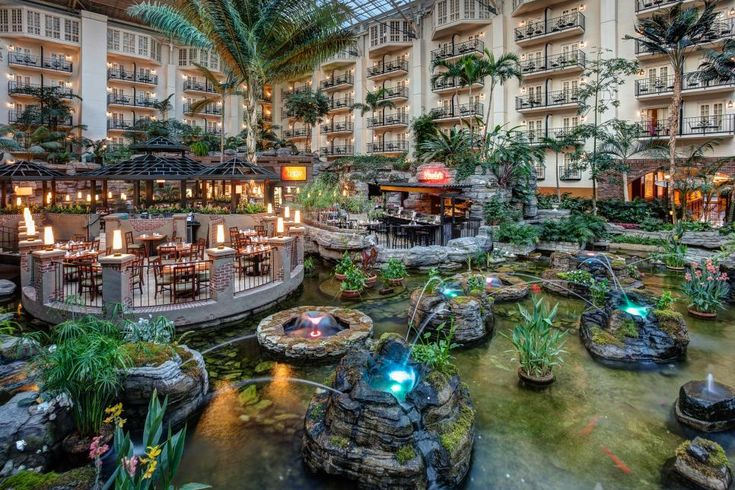 Sure, it's right next door to the Grand Ole Opry, but Gaylord Opryland Resort is fun for non-country music fans, too. From gorgeous botanical gardens to a new, upscale water park, this Nashville resort packs so much more than country must-dos.