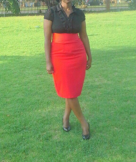 High waist red skirt.