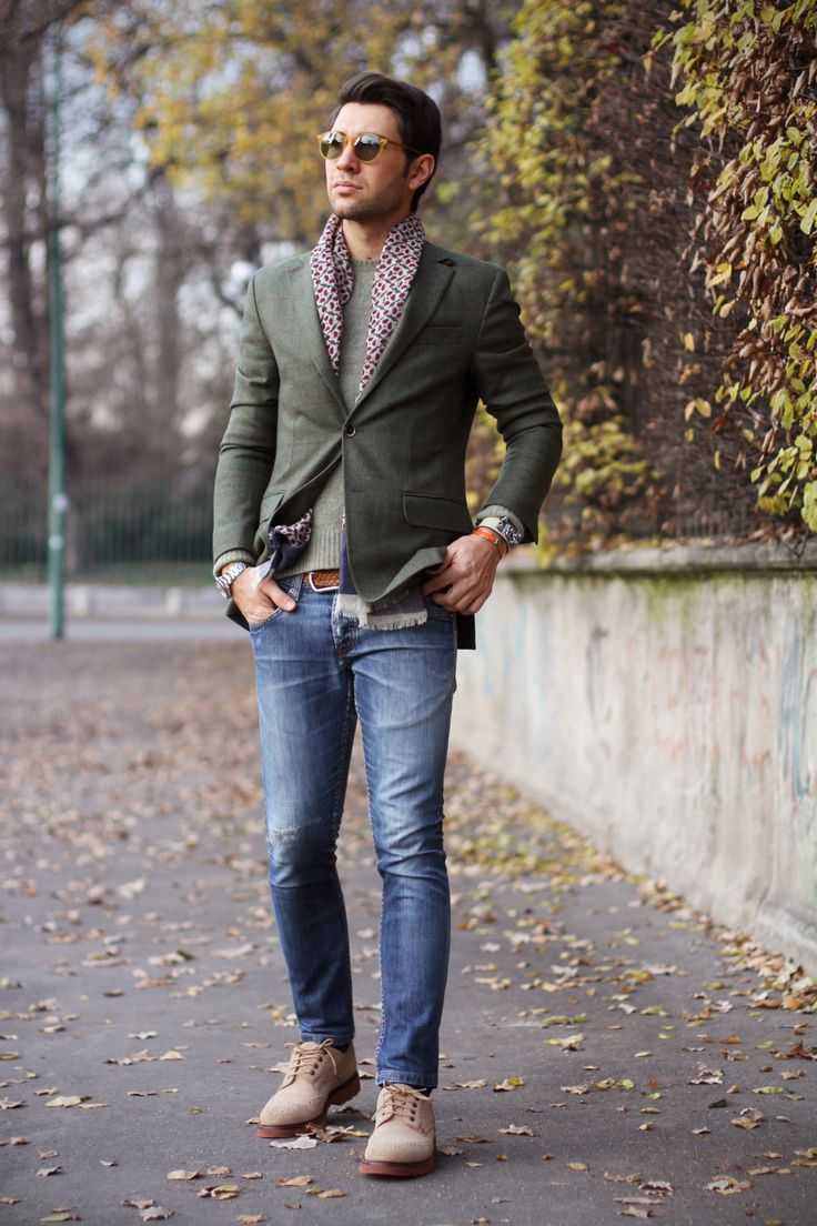 ジャケットとジーンズメンズ着こなしI might even like the outfit... but those jeans seem way to tight. :/ #menswear #style #shoes #scarf