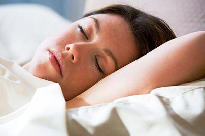<p>Чем, кроме утраты привлекательной внешности, опасен мамин недосып? 1. Отсутствие нормального сна замедляет скорость реакции человека. При уменьшении обычного количества сна в 2 раза, ваша скорость реакции падает почти вполовину - на 45%. То есть в потенциально опасной для ребенка…</p>