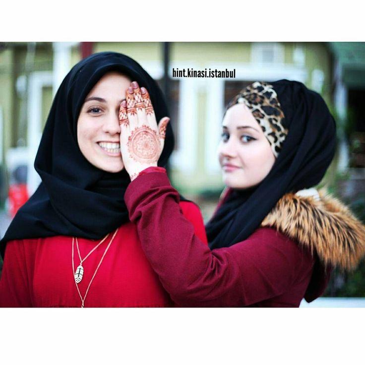 Sevgili güzel modelim @mlkkilhn Ve ben  Bilgi ve rezervasyon için DM  #henna #hennaalem #hennaart #hennatattoo #hennadesigne #love #designe #hindistan #pakistan #mehndi #designe #arabic #tattoo #bollywood#kına #fashion #kınagecesi #kınaorganizasyon #hint #hintfan #hintkinasi #hintkınacısı #istanbul #tattoo #geçicidövme #hennanight #bridalhenna #beauty #hands #fingers #body #makeup