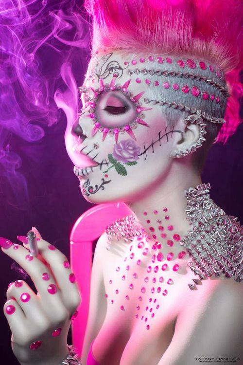 groteleur: Punk Rock Sugar Skull. With spikes and neon pink!