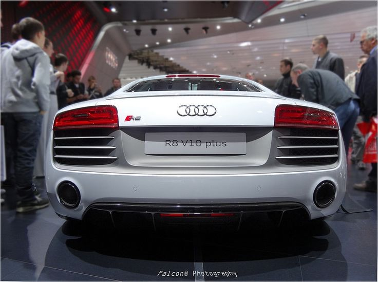 The Audi R8 V10 Plus Top Speed  The Audi R8 V10 Plus has some very impressive performance figures. the car can accelerate from 0 – 100 (0 – 62 mph) in a blistering 3.2 seconds and has a top speed of 330 km/h (205 mph).