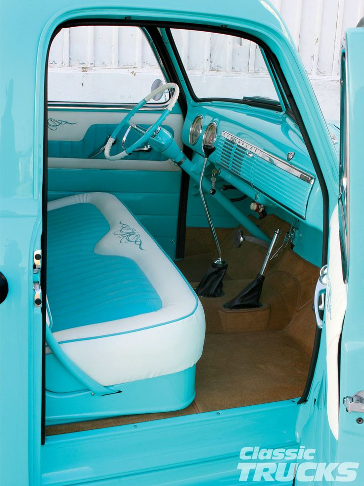 1950 - Chevy 3100 interno - www.classictruks.com