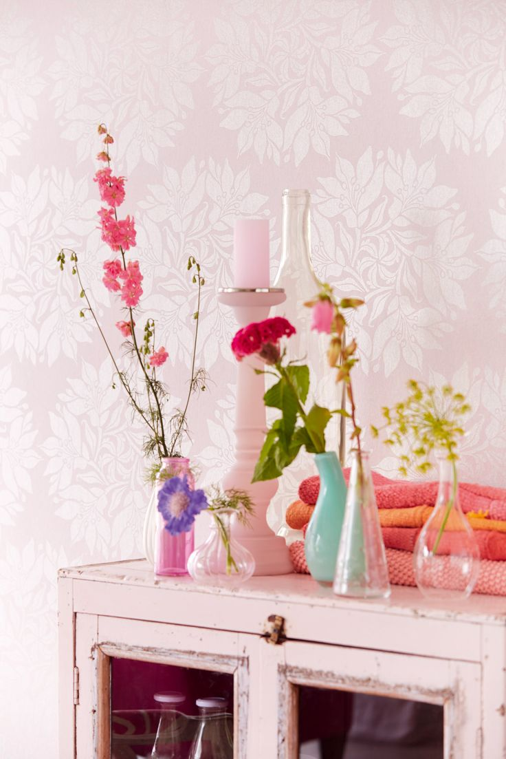 Soft Pink wallpaper, perfect for a bedroom