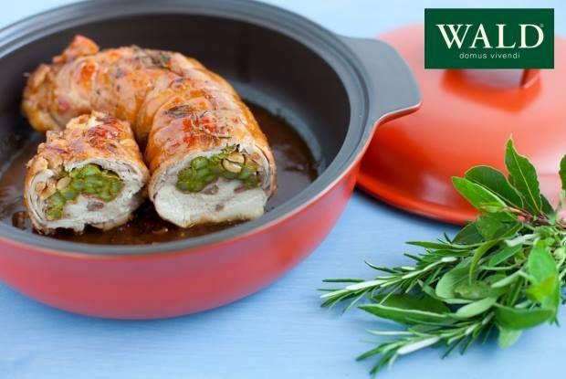 Arrosto di coniglio ripieno di asparagi, prosciutto e arachidi