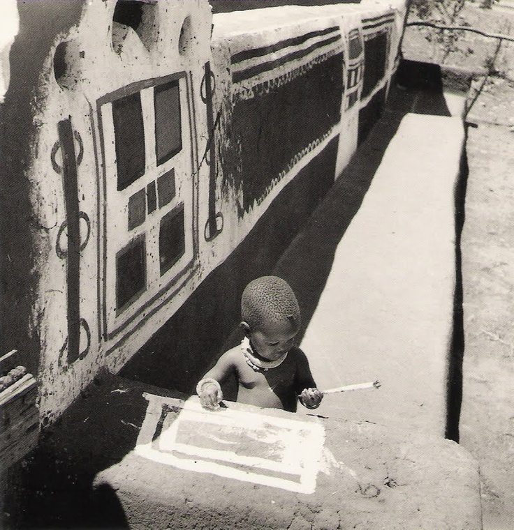 © Constance Stuart Larrabee, 1947, Ndebele kid / Southern Africa  The Ndebele tribe is one of the smallest, most gifted ethnic groups in Southern Africa. After the summer rains, the women paint indigenous designs.