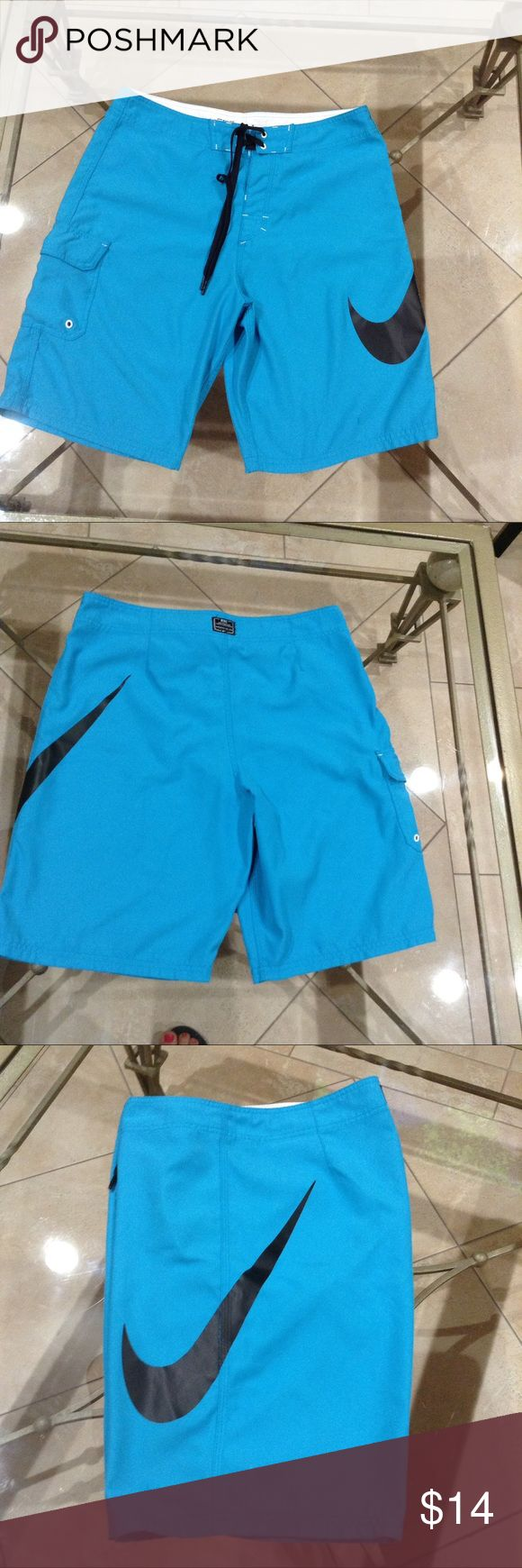 🌸🌺NIKE short 🌺🌸NIKE swim shorts size 32 small hole shows the photo 6 Shorts