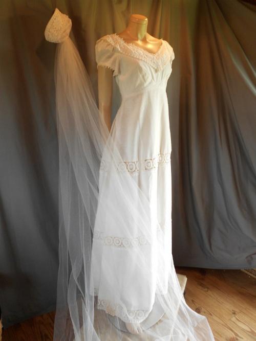 23 best Wedding Ideas images on Pinterest | Wedding dressses ...