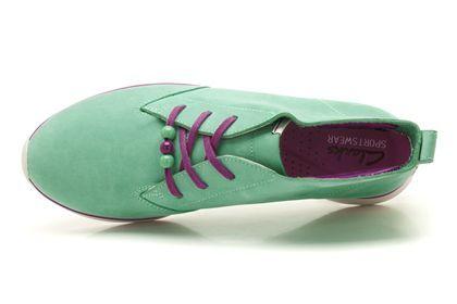 Minzgrüne High-Top Sneaker für Damen, inspiriert von den Sportschuhen der 90er Jahre, Clarks Juno Lite, 99,95 Euro: http://www.clarks.de/p/20358289