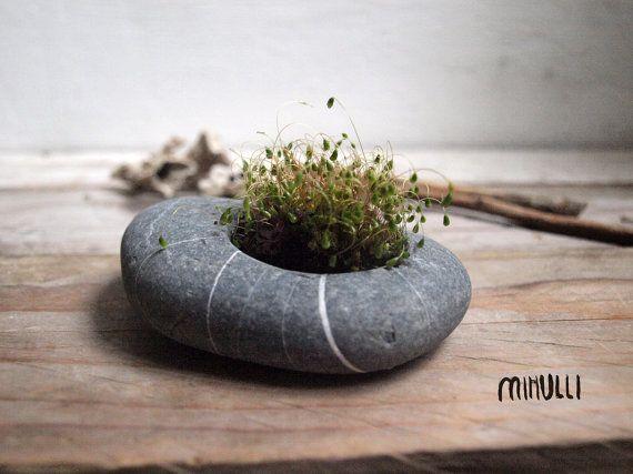 hand gegraveerde strand stenen bloem planter - kandelaar - zen design