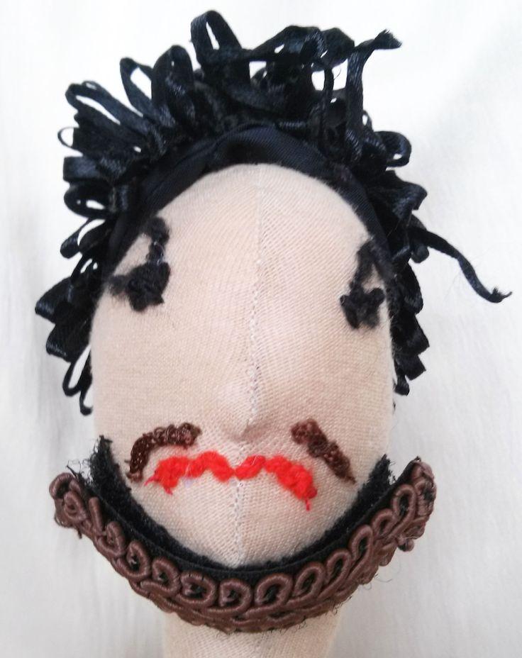 VIII. RongyHenrik fonott szakállal (cserélhető hajjal, cserélhető szakállal, öltözés előtt)
