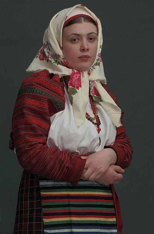 Russian folk costume from village Linovo, Sumskaya oblast'. Русский народный костюм в работах Дмитрия Давыдова