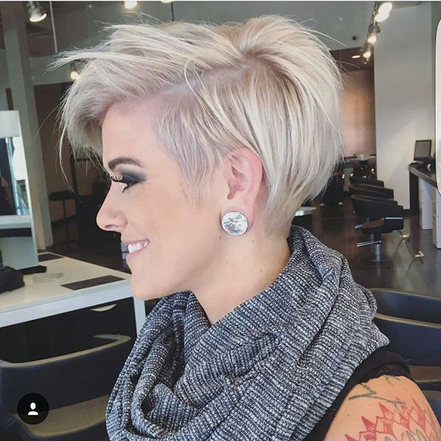 @jessattriossalon with a great pixie cut on @lyndee_hairlove_marie