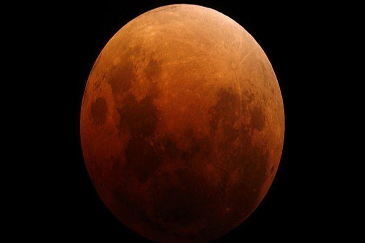La Argentina se prepara para un eclipse con luna rojiza este martesEn la madrugada de este martes, los observadores podrán contemplar a simple vista el fenómeno, durante el cual el satélite cambiará su apariencia. A qué se debe la tonalidad diferente