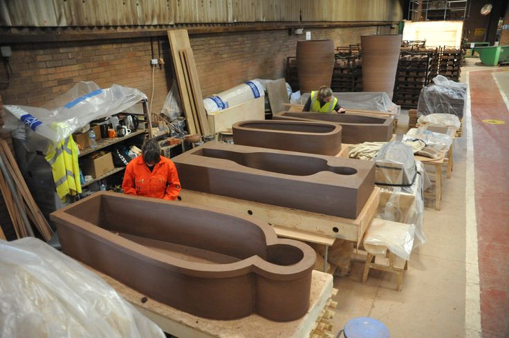 Monumental sized pots by Dr Julian Stair