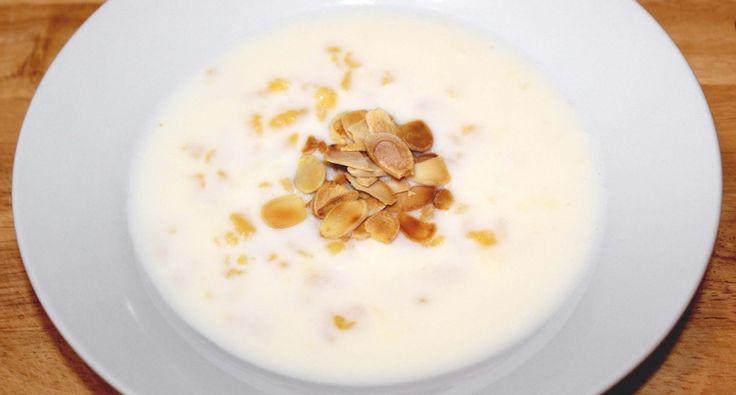 Tejleves tésztával recept: Nálunk a tejleves tésztával hidegen, és melegen egyaránt nagy kedvenc. A mandula pedig a tetején igazán feldobja ezt a tejleves receptet! ;)