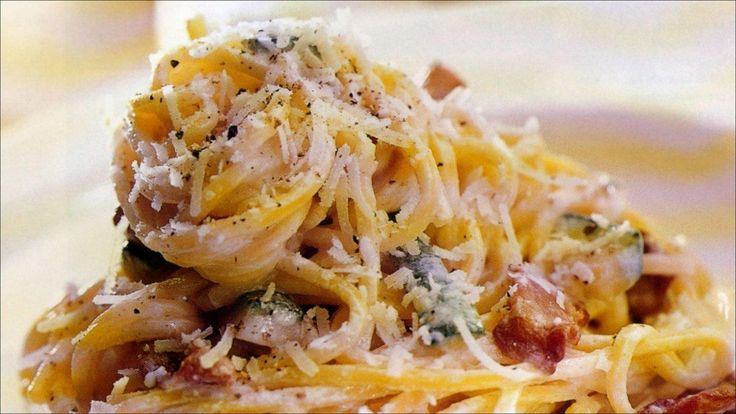 Deilig og mettende pasta som passer både til lunsj og til middag.