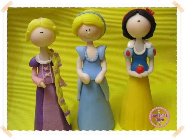 Adornos de torta, Rapunzel, Cenicienta, Blancanieves en porcelana ...
