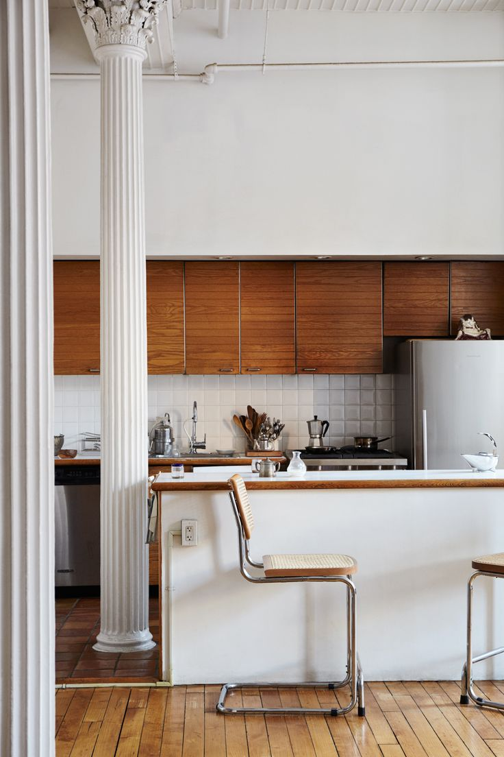 Inside the Tribeca apartment of Daniela Jacobs, the designer behind ARC Objects, the cult favorite ceramic accessories line in bone-colored porcelain. © Pippa Drummond