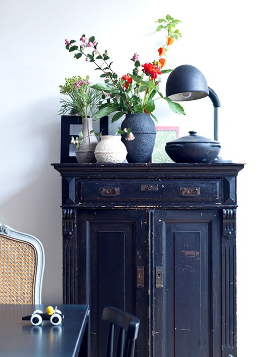 Cool shabby cabinet with great bones and a superb indigo blue color, topped off with a great tablescape (so into indigo / sfgirlbybay)