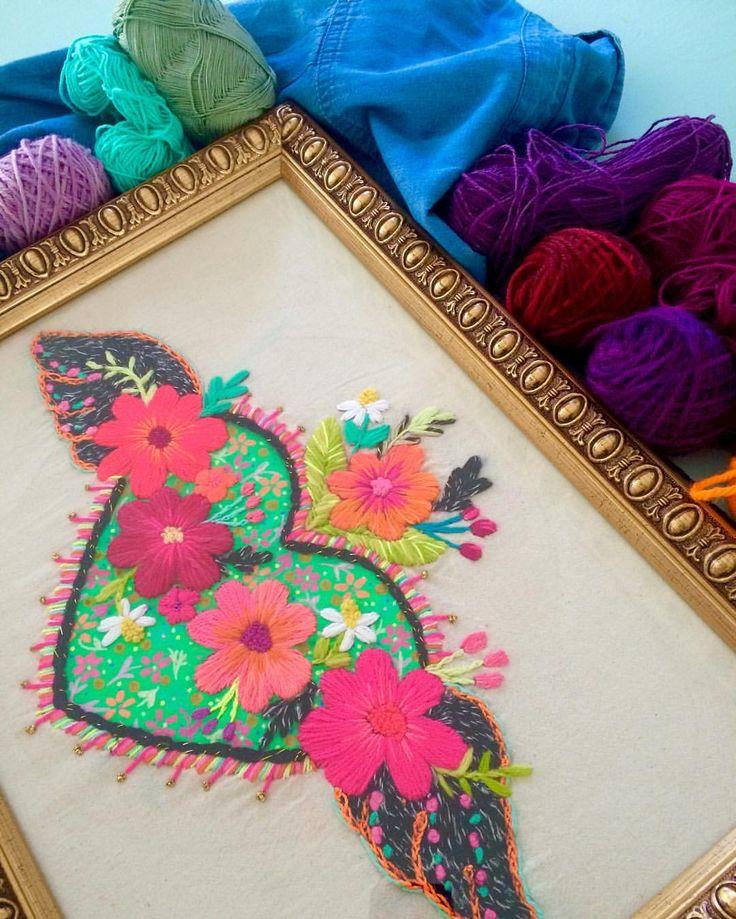 Amo el trueque!!! Me llego este increíble cuadro de @usa_color que amo! Y a cambio tengo que bordar una bella camisa! Viva el trueque!❤️ #floresbordadas #amorporloquehaces #bordadofreestyle #trueque