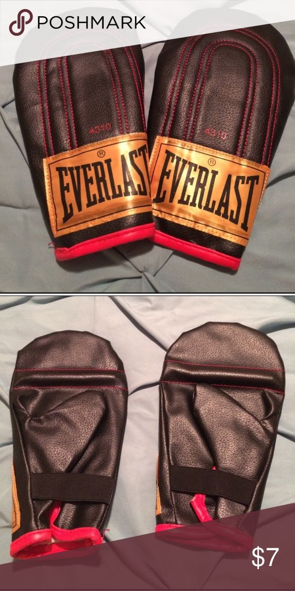 Everlast boxing gloves Reposh. Never used. Ultra light weight boxing gloves everlast Other