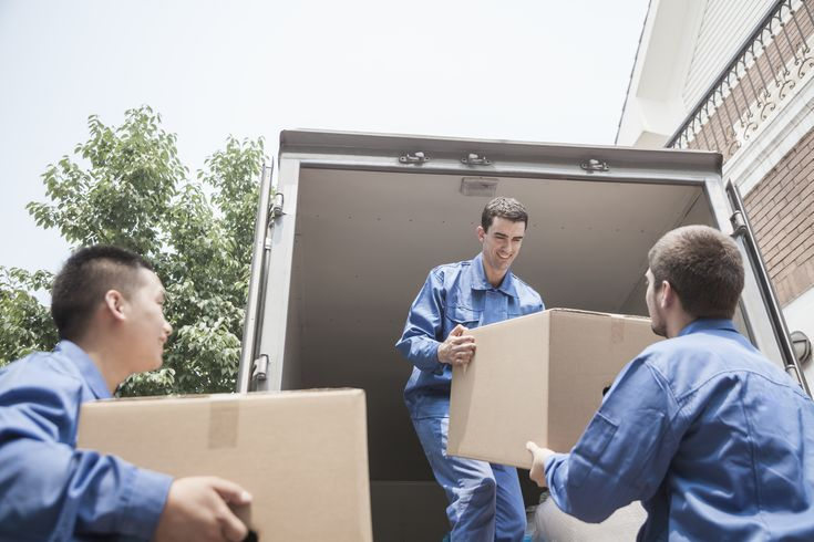 How much does it cost to hire a moving company or movers in the US? - http://5moversquotes.com/moving-company-prices-in-the-usa/