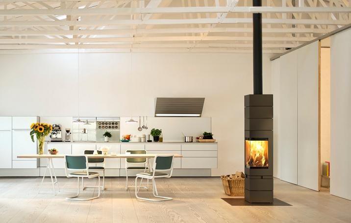 Elements z narożnym przeszkleniem i funkcją obrotową świetnie prezentuje się na środku pomieszczenia.