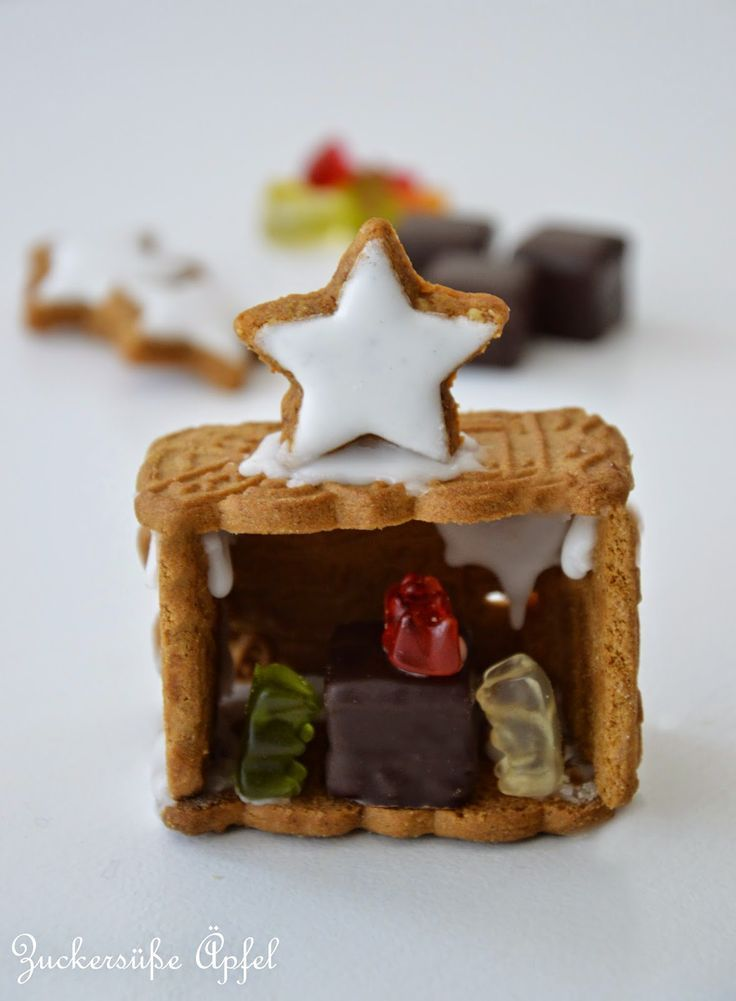 weihnachtskrippe aus keksen zuckers e pfel. Black Bedroom Furniture Sets. Home Design Ideas