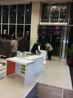 jual partisi pameran,stand,booth,exhibition : Pemasangan stand pameran di teras kota || Partisi ...