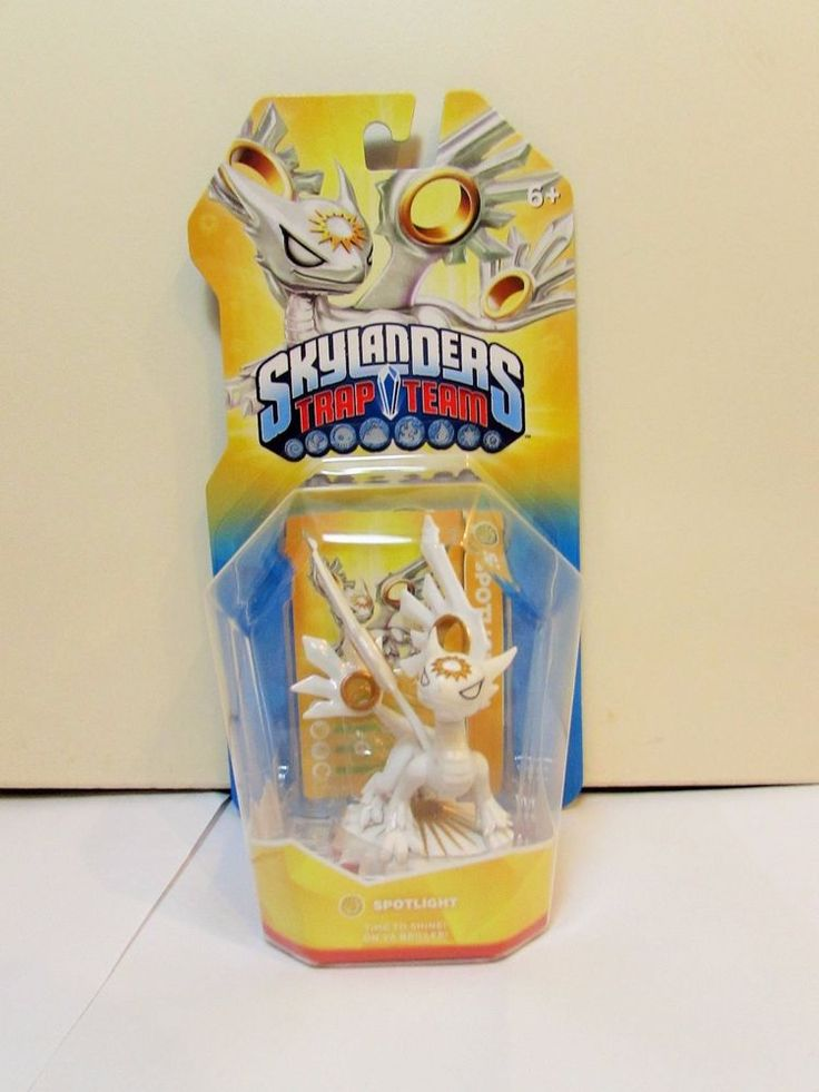 Skylanders Trap Team Spotlight Light Element Figure BNIB