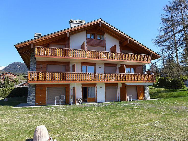 Santa Barbara - Apartment - CRANS-MONTANA - Switzerland - 422 CHF 2-room apartment 50 m2, on the ground floor. Comfortable and beautiful furnishings: living/dining room with 1 sofabed (80 cm, length 190 cm), cable TV (flat screen), DVD. Exit to the garden, south fac