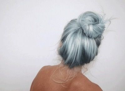 Light blue bun