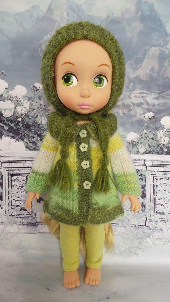 """hecho a mano equipo de animadores de Disney 15"""" muñeca - capa, sombrero y polainas en verde multicolor"""