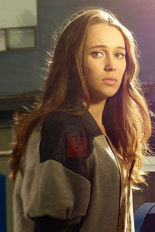 Alycia Debnam-Carey - her character is Alicia Clark, Madison Clark's daughter.