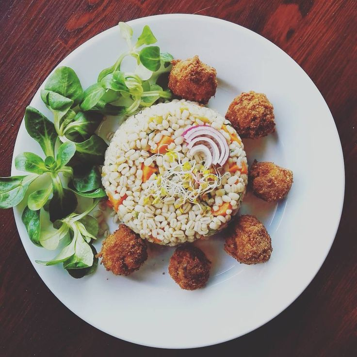 pearl barley with carrot and breaded mushrooms