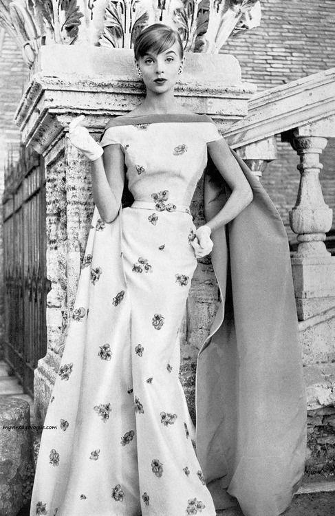 Moda Italiana Spring / Summer 1956  Iris Bianchi wearing a gown by Fontana