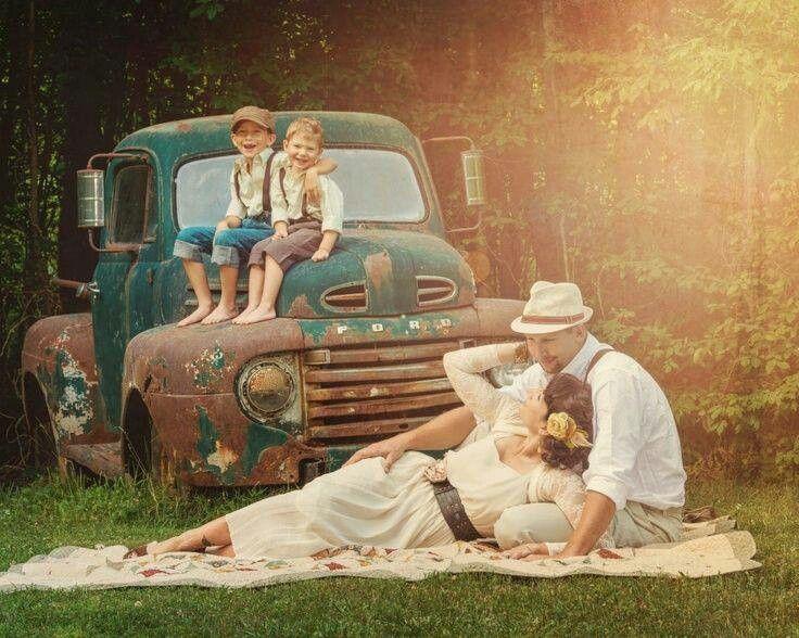 cute non traditional rockabilly family photo