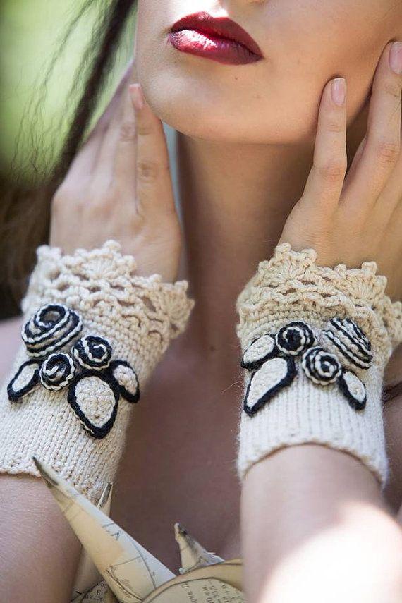 Gebreide Vingerloze handschoenen ivoor rozen handschoenen &