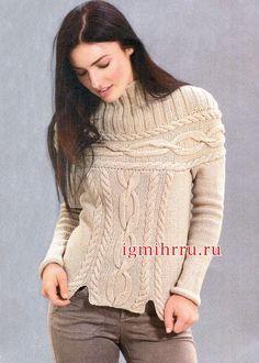 Теплый бежевый пуловер с круглой кокеткой, связанной поперек. Вязание спицами  Разнообразные «косы», круглая кокетка и короткие  боковые разрезы, пряжа из натуральной шерсти – такой пуловер будет актуален не один сезон
