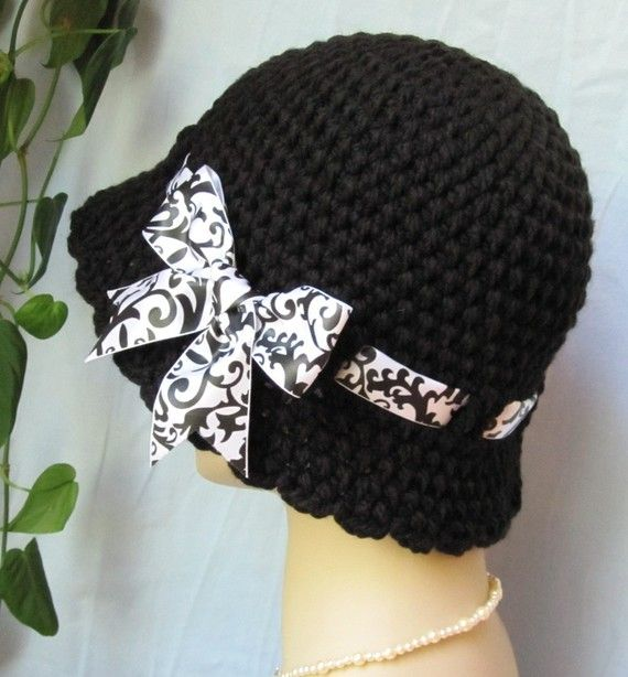 Crochet Cloche Womens Hat Black and White by JadeExpressions, $42.00 #knitting #clochehat