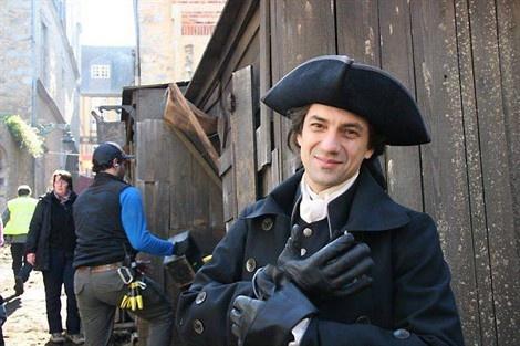 Nicolas le Floch.  Le comédien - Jérôme Robart retrouve pour la 9e fois les habits du commissaire Le Floch.